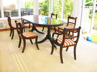ELEGANT REGENCY STYLE -EXTENDING DINING TABLE & 6 CHAIRS (4 CHAIRS & 2 CARVER CHAIRS)
