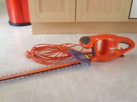 FLYMO ELECTRIC HEDGETRIMMER, AS NEW.