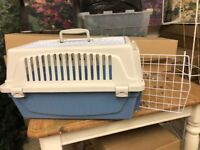 Used only once PET BOX CARRIER 5 pounds
