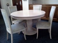 Dining Room Table and 4x Chairs