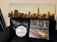 Collection of 2x canvas prints and clock with New York theme