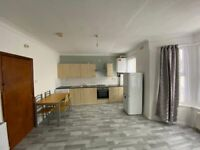 open plan 1 bedroom flat to rent in Seven Oaks for £930 PCM
