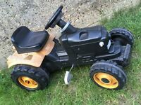 JCB TRACTOR RIDE ON - TOY CLEARANCE