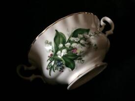 5 bone China Lilly of the valley soup bowls