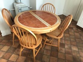 Extendable Dining Table Seats 4-6