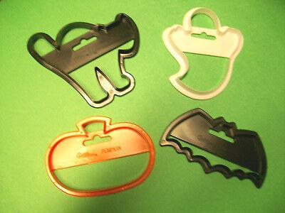 Cute 4pc Set Plastic HALLOWEEN COOKIE CUTTERS * Black Cat, Ghost, Pumpkin & Bat