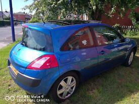 Renault megane 1.6 dynamic model full panaramic sunroof 12m mot keyless entry clean car