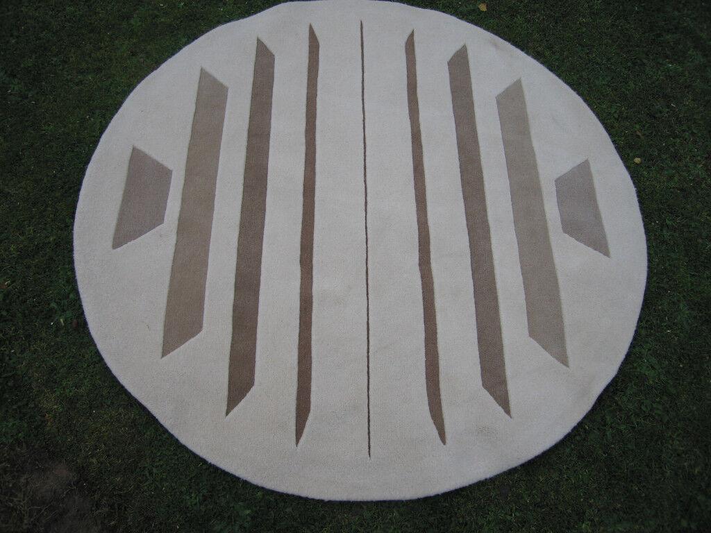 LARGE ROUND THICK PILE WOOL RUG DIAMETER 1480 cm