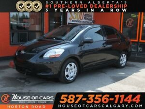 2011 Toyota Yaris Base LOW KMS!!