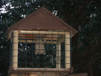 Bird feeder. Large. hand made.Keeps Pigeons & Squirrels out.