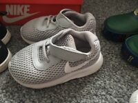 Set of 2 nike trainers infant 5.5 gret and black with boxes!