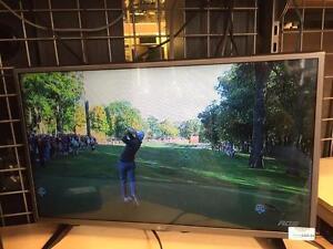 Magnifique télévision de marque LG, 32pouce model 32lx300c, en super etat comme neuf pour seulement 299.99$!! (Z002398)
