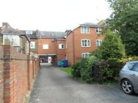 1 Bed Flat Near by harrow shopping center, central bus station, Tube Station and Supermarket