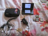 BLACK DS LITE CONSOLE BUNDLE 4 GAMES,CHARGER