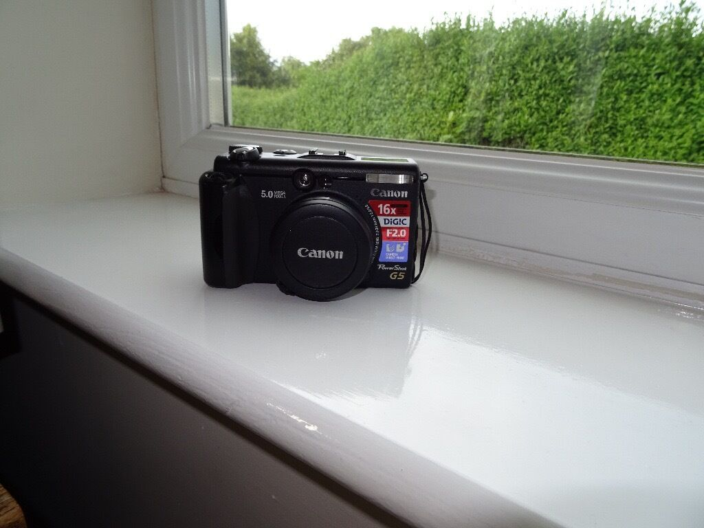Fabulous Canon G5 camera cost £500+ when new.