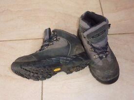 Children's walking boots size 13