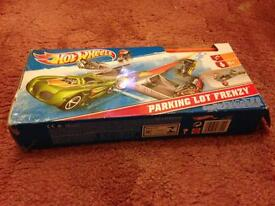 Hot Wheels Parking Lot Frenzy! Excellent condition!