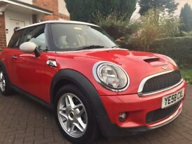 Mini Cooper S - Stunning Red - Only 33,000 miles - Full Service History - Amazing Drive
