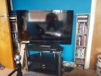 40 inch LCD 1080p TV & Glass Stand