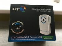 BT Wi-Fi Extender/Booster 1200 Dual-Band Wi-Fi, White