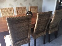Solid wood dinning table and 6 chairs very good condition