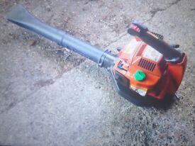 Husquvarna petrol leaf blower 2 stroke engine easy to start good condition good working order