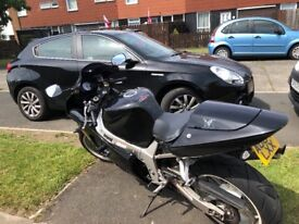 Gsxr 600 good condition inc paddock stand and service kit