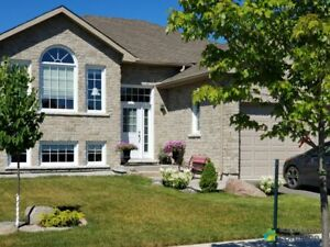 $599,900 - Raised Bungalow for sale in Cobourg