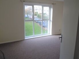 2 Bedroom 2nd floor spacious flat, GCH, town centre, with parking, close to train station