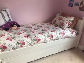 White Single & Trunkle Bed