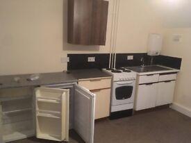 Single Bedsit to Let, Centre of Chippenham