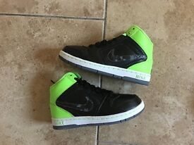 Nike hi tops sz 12.5 kids brand new