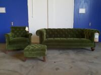 BRAND NEW STILL WITH TAGS FABB SOFAS GREEN VELVET SAVANNA CHESTERFIELD LOUNGE SUITE CAN DELIVER
