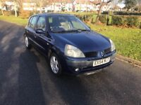 Renault clio 4 doors blue very good condition 1 years mot