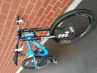 2012 Commencal DH V3. Medium