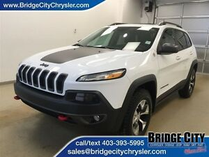 2016 Jeep Cherokee Trailhawk- Heated leather seats and panoramic