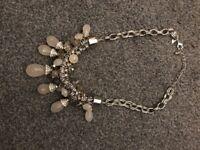 Brand new per una necklace.