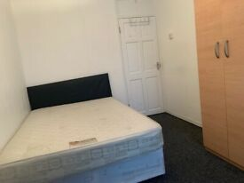 Stunning Double Room In Lovely Flat / Zone 2, Bow / All Bill's Inc, Available Now!!