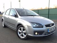 2005 (Jun 05) FORD FOCUS 1.6 ZETEC CLIMATE - 5 Dr-Hatchback-Petrol-Manual-SILVER *51,000 LOW Miles*