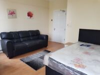 Luxury Rooms - CAVEHILL R0AD - Beautiful surroundings only £360PM