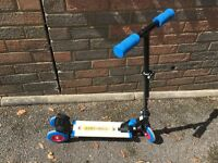 Scooter - 3 Wheels (1 front & 2 back)