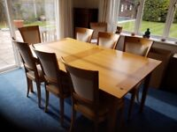 oak dining table and chairs , good condition