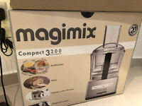 Magimix Compact 3200 Food Processer...all the parts, works perfectly.