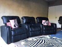 Stylish- Lazyboy Cinema 3 Seater Curvy Recliner Sofa