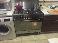 Delonghi Range Cooker and hood