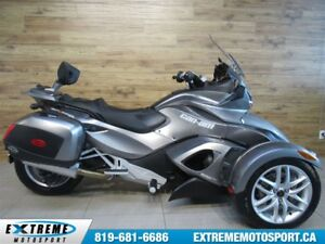 2013 Can-Am Spyder ST SE5 67,58$/SEMAINE