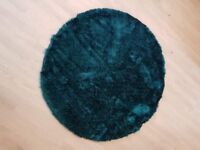 Luxurious Teal rug. Brand new.