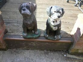 2 boxer dog ornements,