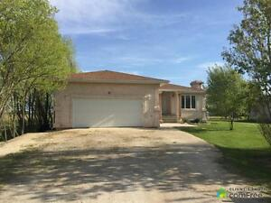 $267,900 - Bungalow for sale in New Bothwell