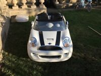 Kids electric car - 2 seater mini - excellent city condition